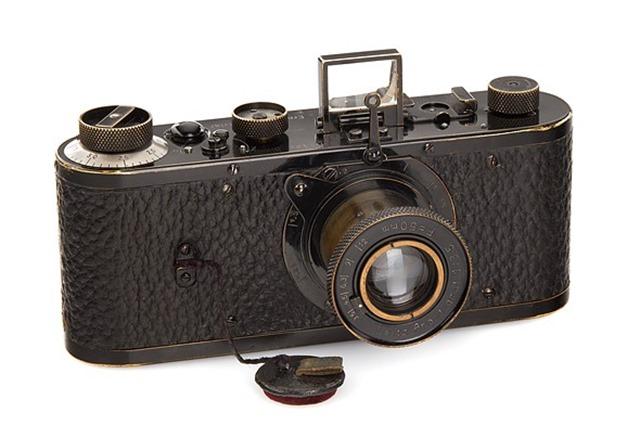 Leica 0 Serie 02