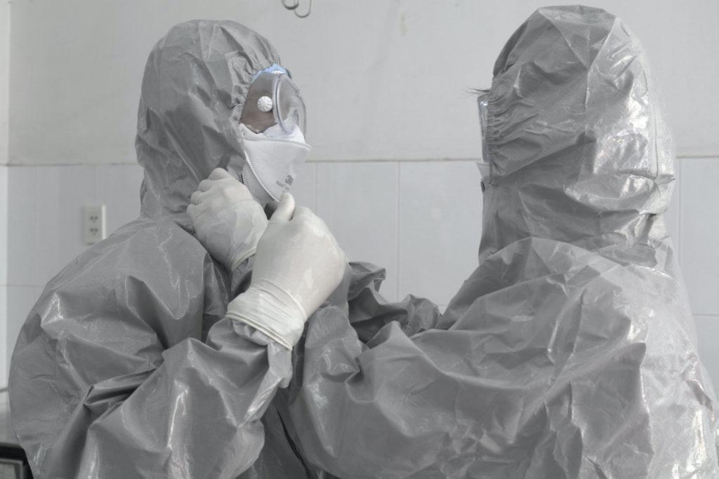 Врачи в больнице в Хошимине
